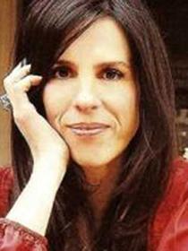 Paula Robles