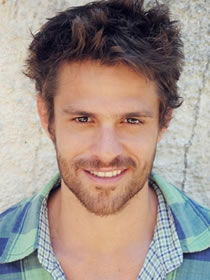 Alejandro Claveaux